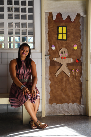 Em Aracaju, professora cria roupa especial que ajuda na inclusão de aluno com paralisia cerebral 1