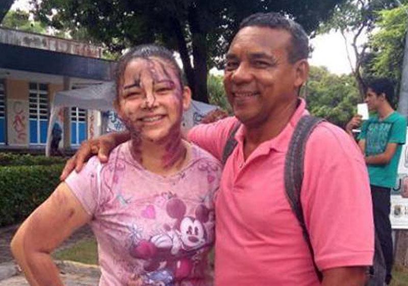 No CE, filha e pai faxineiro são aprovados juntos em universidade federal 1