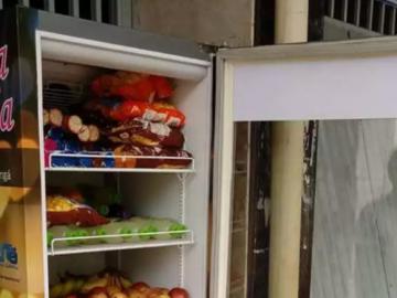 """'Geladeira Solidária"""" alimenta quem mais precisa em Maringá (PR) 6"""