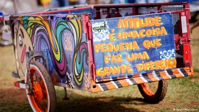 """Aplicativo brasileiro que é o """"Tinder da reciclagem"""" ganha prêmio de inovação em Paris 4"""