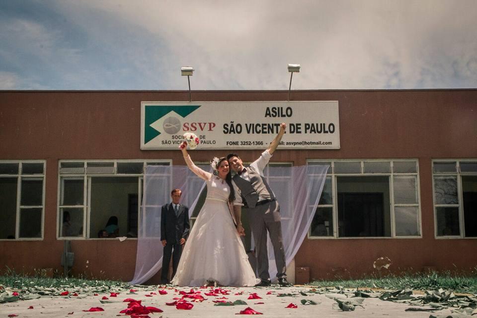 casal de voluntários se casa asilo fotos Dalton Castro