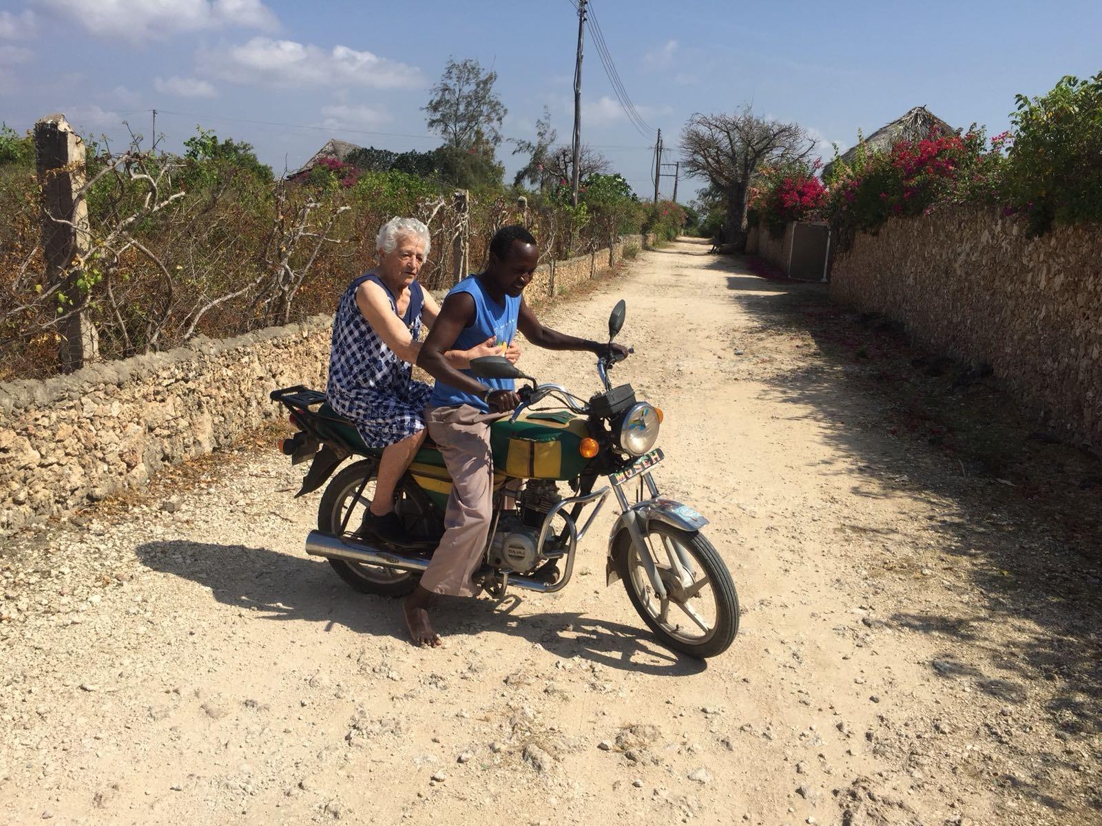 Aos 93 anos, senhora vai para a África trabalhar como voluntária 3