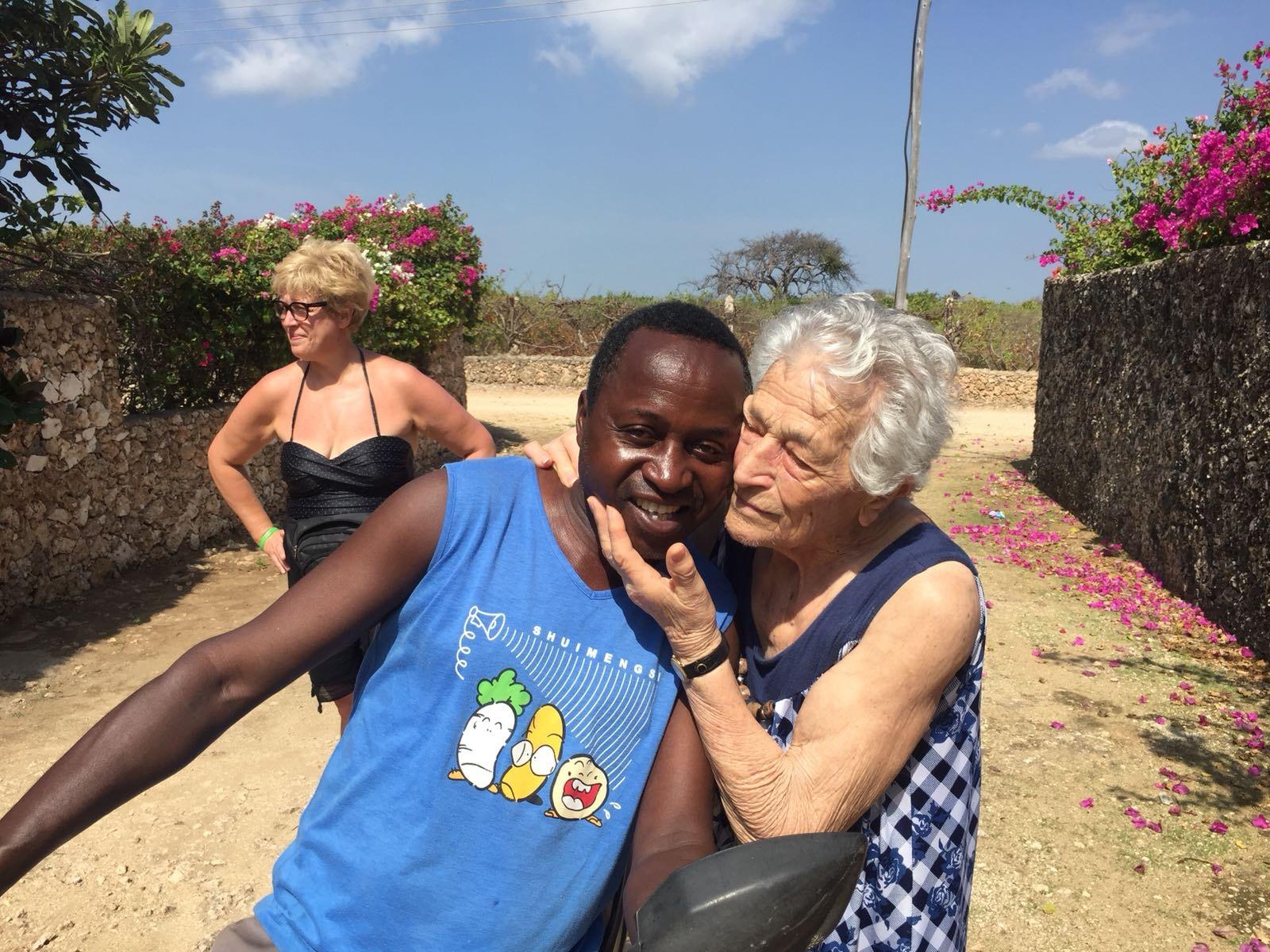 Aos 93 anos, senhora vai para a África trabalhar como voluntária 4