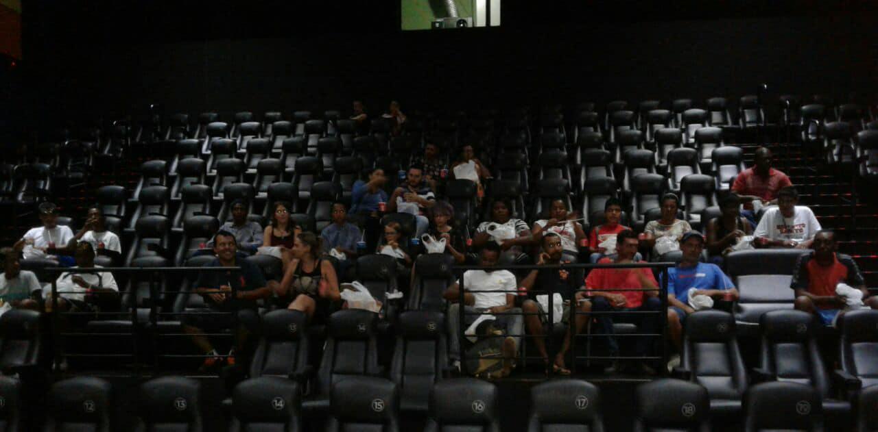 Em Araraquara, garoto de 12 anos leva pessoas em situação de rua ao cinema 5