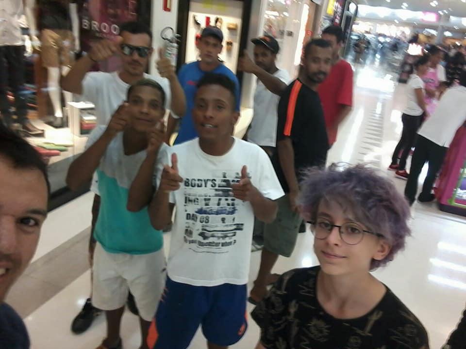 Em Araraquara, garoto de 12 anos leva pessoas em situação de rua ao cinema 1