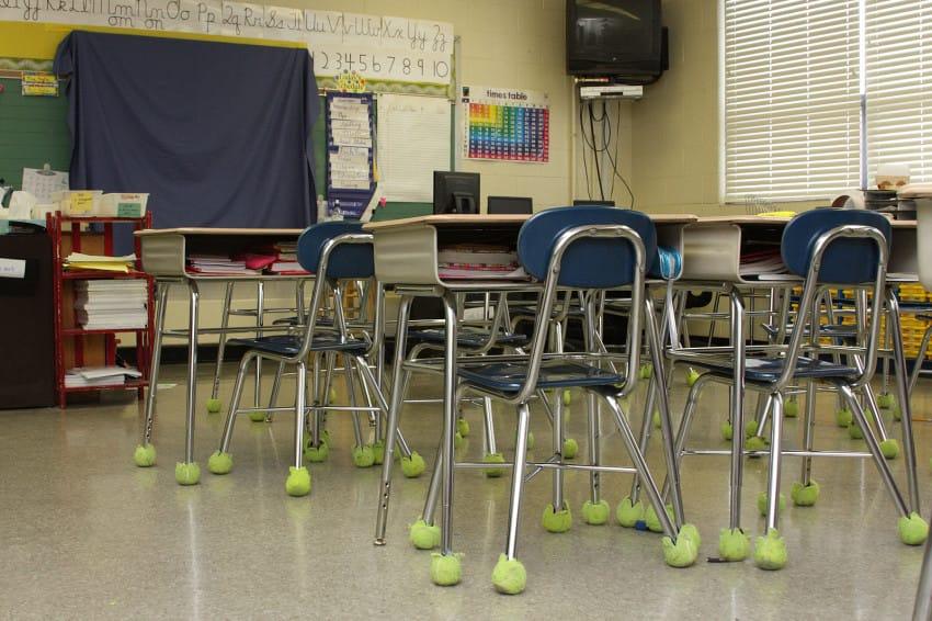 bolas de tênis cadeiras