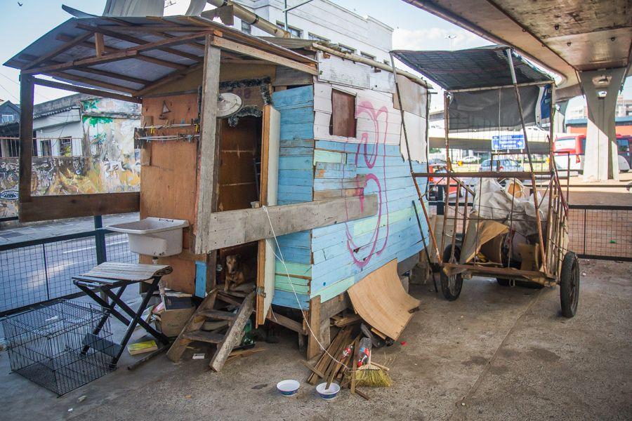 Estudante mapeia prédios vazios e quer transformar em lar para pessoas que moram na rua 1