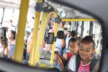 Há 20 anos empresa de ônibus do RS leva crianças de graça na escola 3