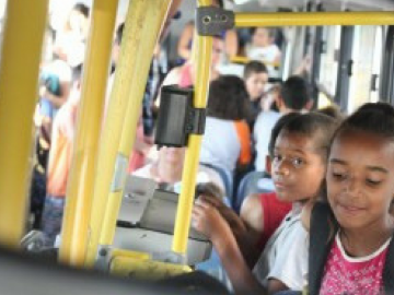 Há 20 anos empresa de ônibus do RS leva crianças de graça na escola 1