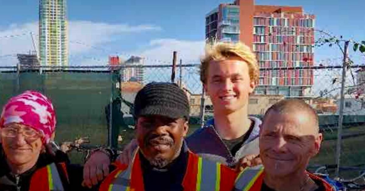 Pessoas em situação de rua estão conseguindo emprego graças a jovem de 16 anos 2