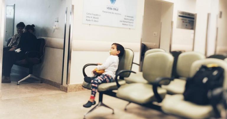 filho acompanha pai hospital
