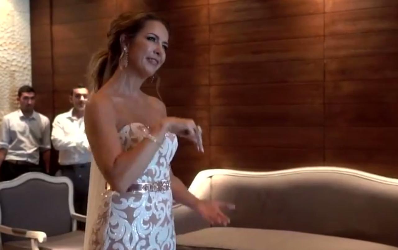Noiva faz homenagem emocionante e canta em Libras para seu noivo no casamento 1