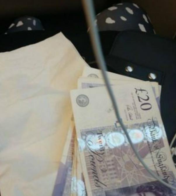 Jovem acorda de um cochilo e se surpreende com dinheiro deixado em seu colo por estranho 2