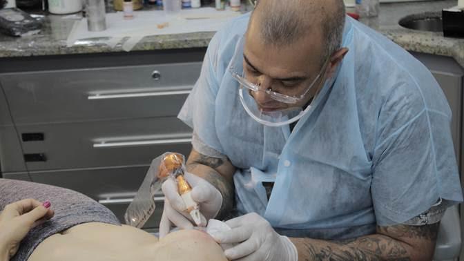 câncer de mama Leds Tattoo