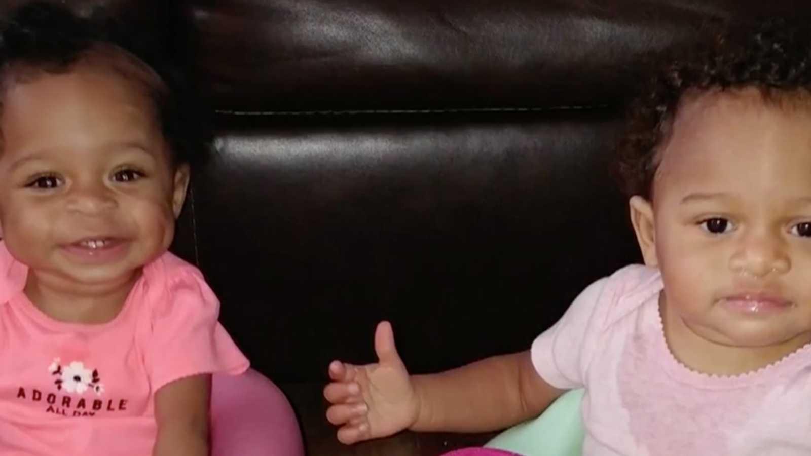 Enfermeira salva vida de bebê que sofreu maus tratos, descobre que ela tem irmã gêmea e adota as duas 4