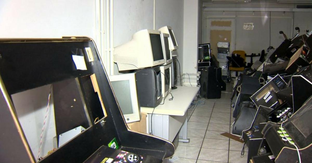 Caça-níqueis apreendidos viram computadores para crianças carentes, no ES 1
