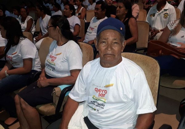 Seringueira se alfabetiza aos 71 anos e agora quer fazer faculdade 3
