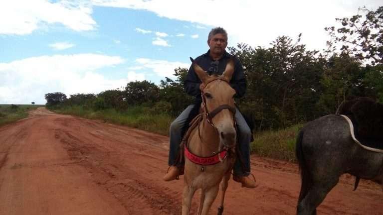 homem-montado-cavalo