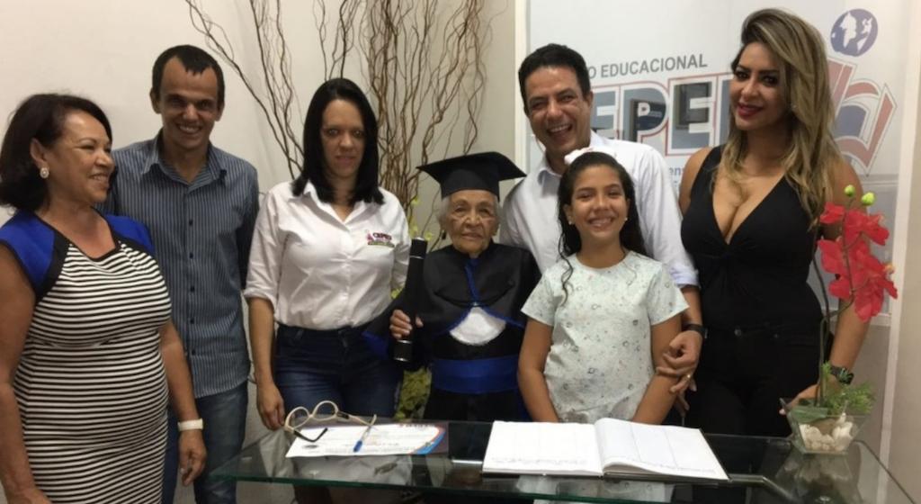 Idosa realiza sonho antigo e se termina ensino médio aos 91 anos 4