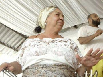 Evangélicos ajudam a reconstruir terreiro queimado no Rio 1
