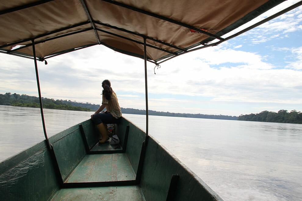 Canoa movida a energia solar está sendo usada como meio de transporte de comunidades da Amazônia 4