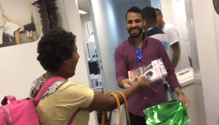 paciente fã Michael Jackson ganha surpresa médico