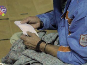 Projeto transforma meias velhas em cobertores para quem precisa 1