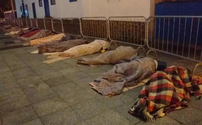 meias cobertores moradores rua