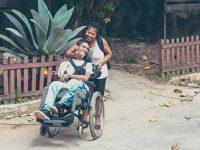 mãe-filho-paralisia-cerebral