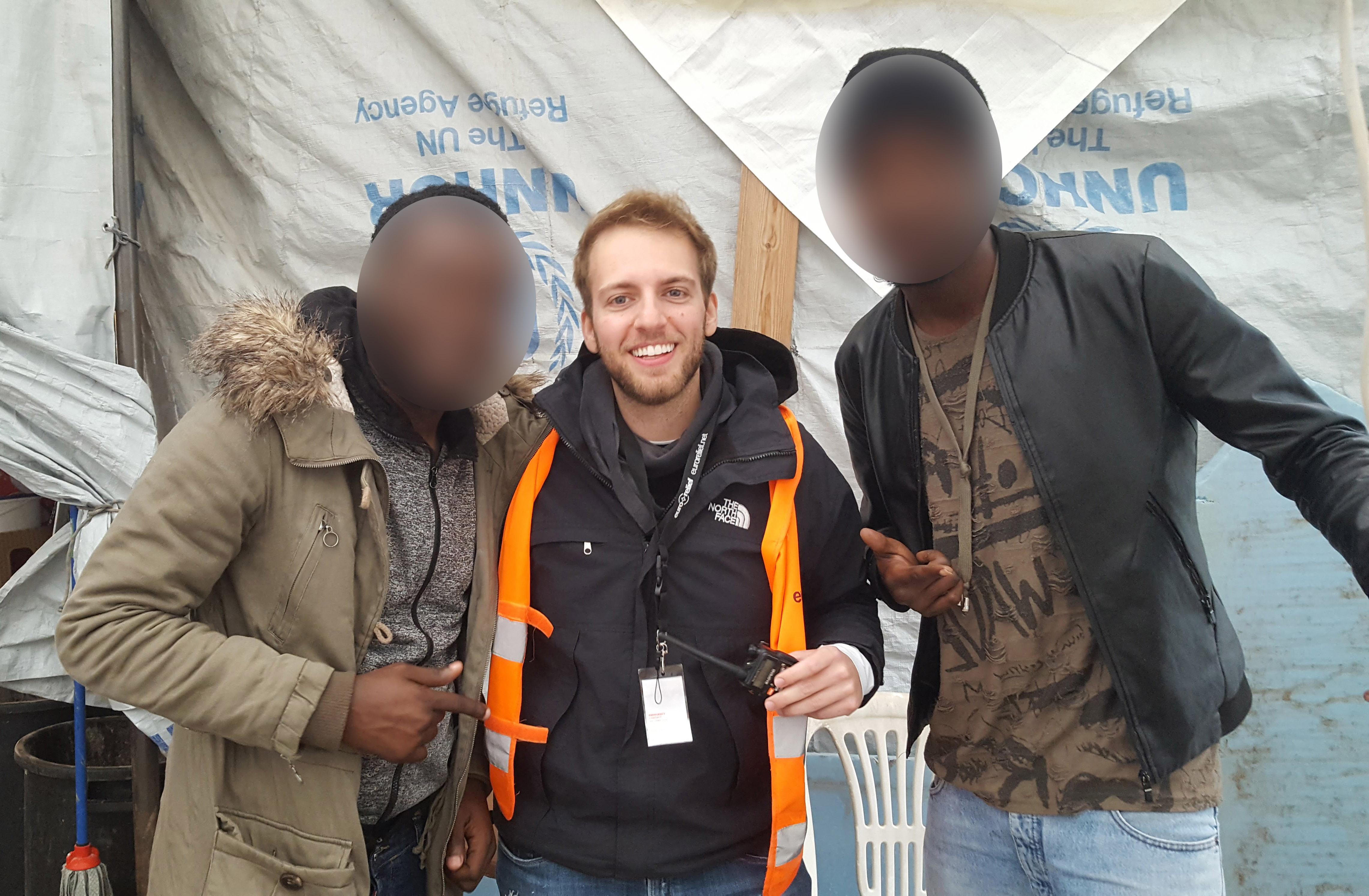 O que tiraria você de uma vida confortável para morar no maior campo de refugiados do mundo? 1