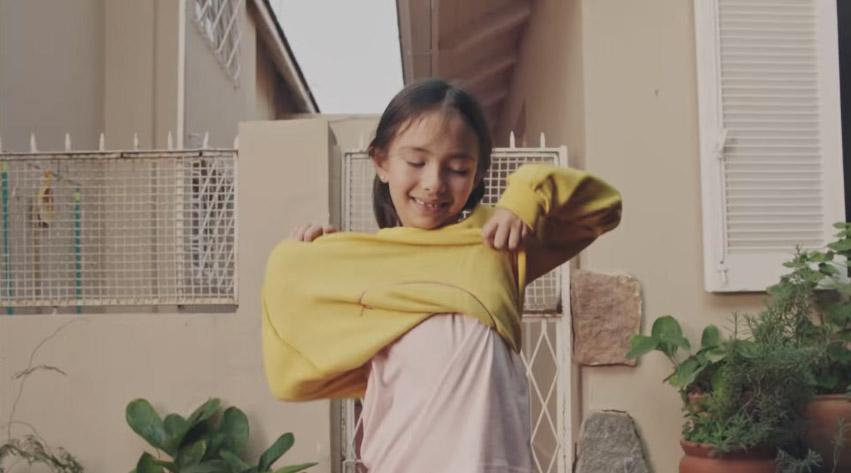 doação-roupas-criança-casa