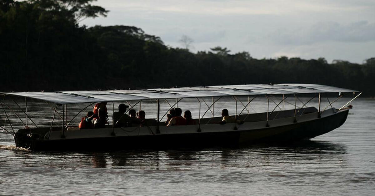 Canoa movida a energia solar está sendo usada como meio de transporte de comunidades da Amazônia 10