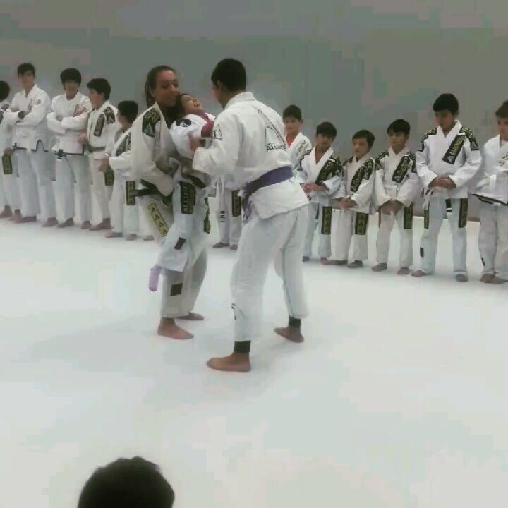 atleta apresenta jiujitsu prima deficiente