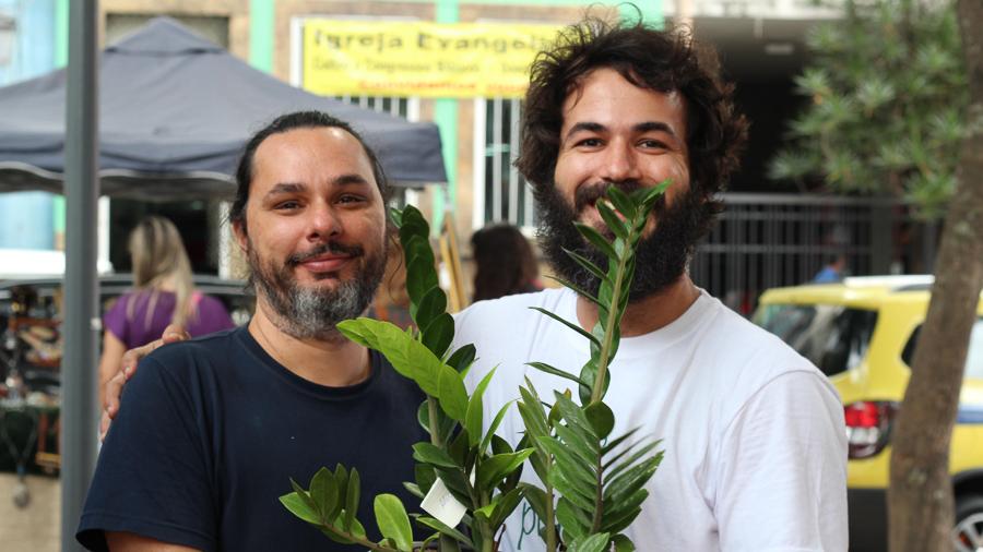 doação plantas homens