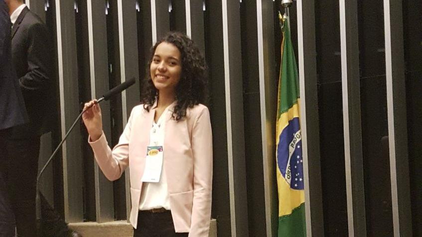 jovem negra parlamento brasileiro