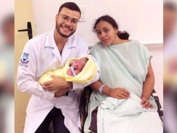 médico gestante filha