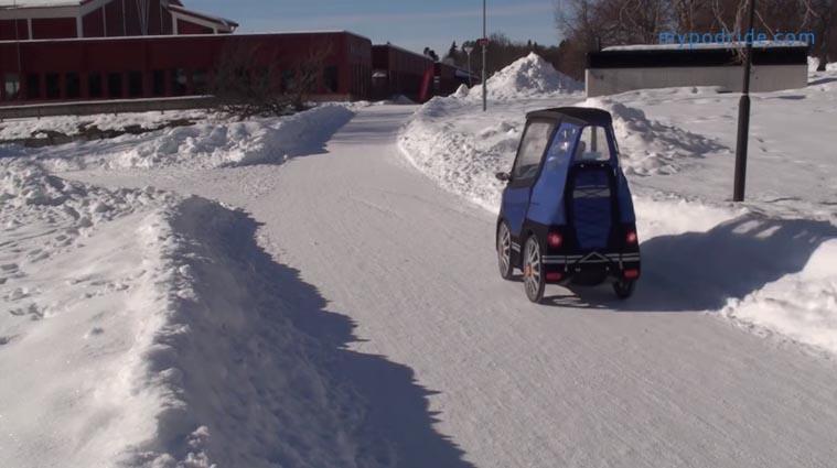 mini carro elétrico estrada neve