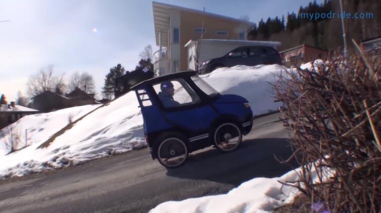 mini carro elétrico rua