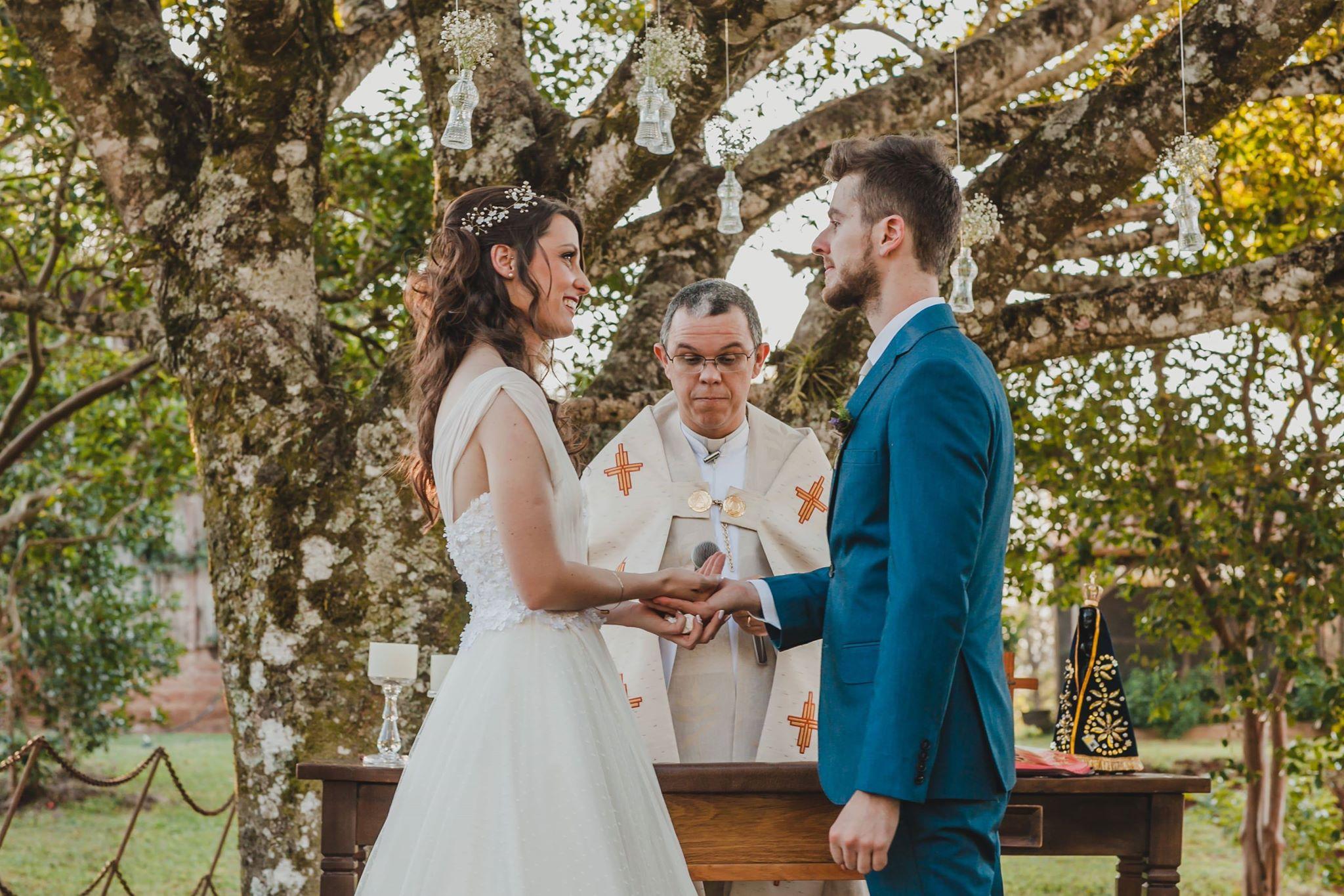 Casal remarca o casamento por causa da amizade com seus dois cavalos 2