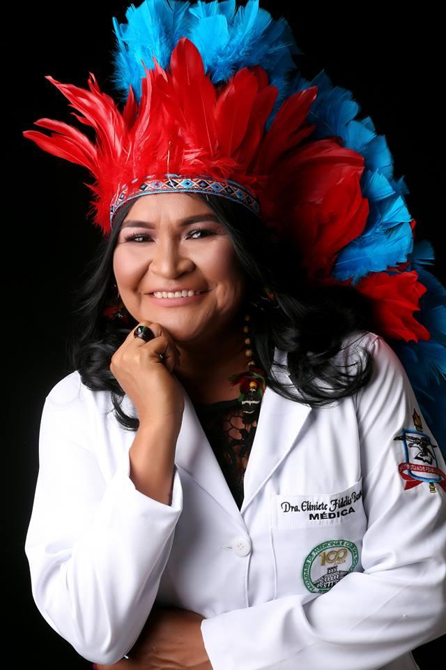 médica indígena