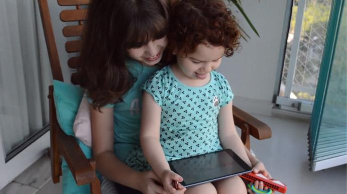 aplicativo convida pais criarem histórias filhos