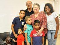 casal adota cinco irmãos temiam separação