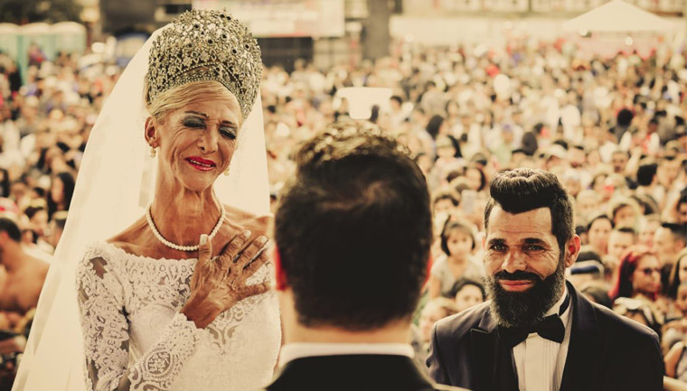 Casal de catadores ganha casamento na Parada de Franco da Rocha (SP) 5