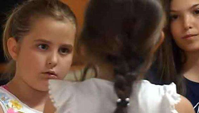 menina defende colega tem dois pais