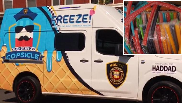 policiais distribuem gelinho crianças adultos