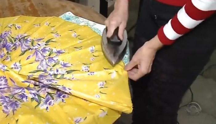 voluntárias transformam guarda-chuvas sacos dormir moradores rua