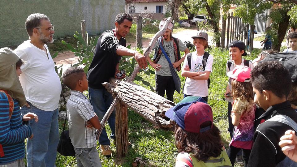 escola educa contato natureza felicidade