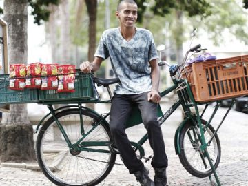ambulante pedala 90 km vender doces
