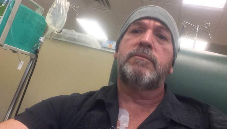 professor câncer ganha licença médica colegas