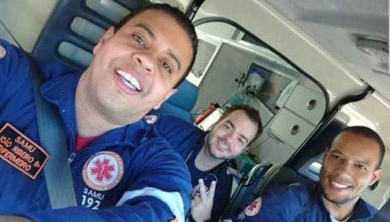 prefeitura taubaté recontrata equipe levou cachorro ambulância